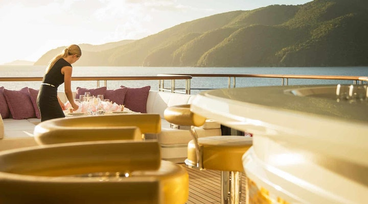 Luxury Yacht Charter - Moran Yacht & Ship
