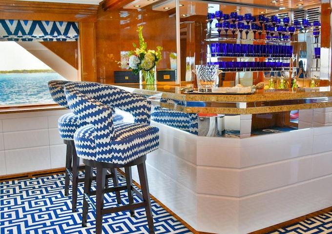 Heesen Yacht OCTOPUSSY Bar
