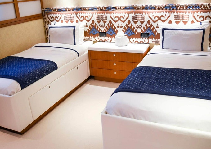 Heesen Yacht OCTOPUSSY Twin Guest Stateroom