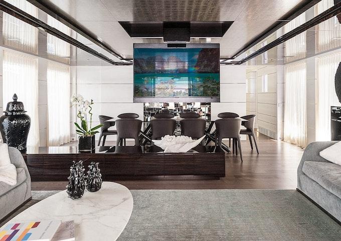 ENTOURAGE Admiral luxury yacht for sale Interior photo