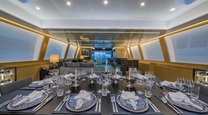 Luxury motor yacht Mangusta 165 APRICITY for sale