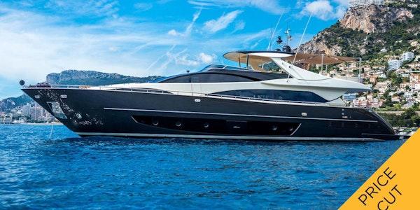 Luxury yacht RIVA 92 Eva Sofia for sale Price Reduced