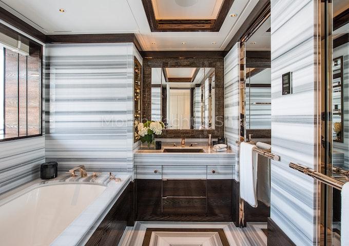 Lurssen MADSUMMER Bath