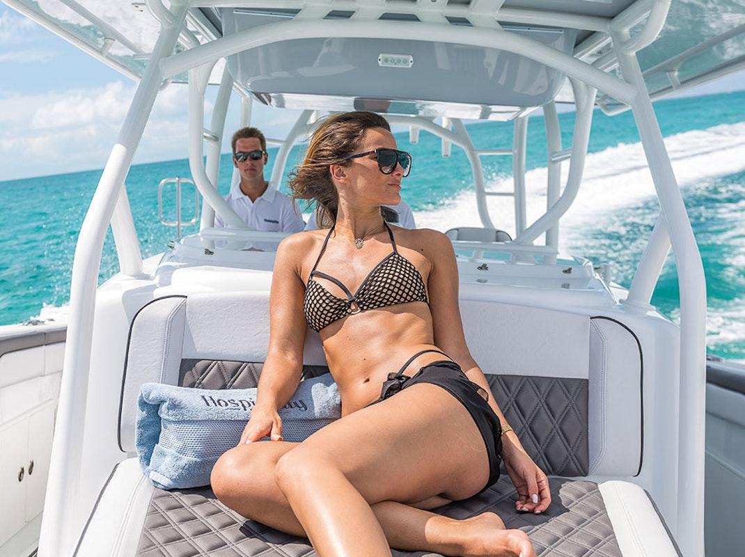 Contact A Yacht Charter Broker - Moran Yacht & Ship