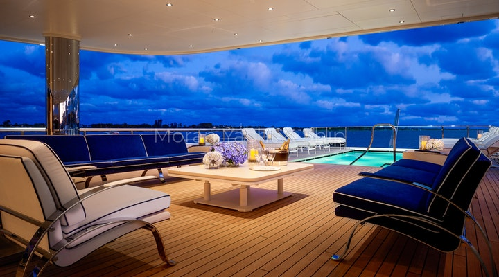 Feadship AQUARIUS Available For Sale - Outdoors