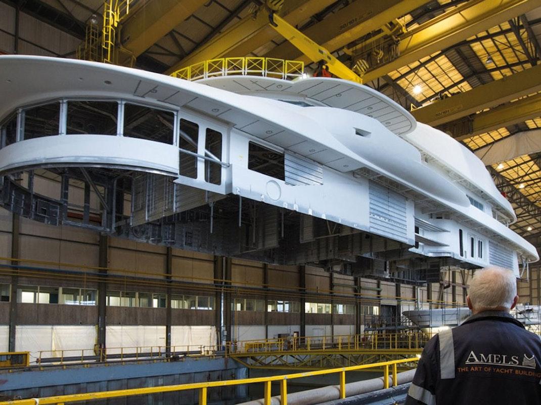 Luxury Yacht Builders & Shipyards - Moran Yacht & Ship